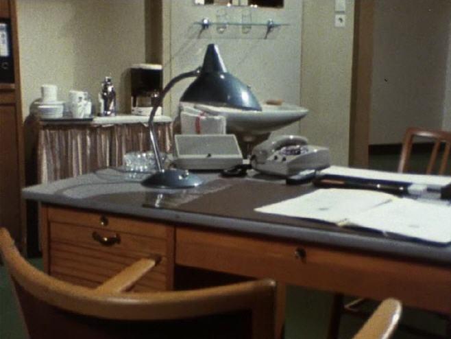 inventarliste derrick b ro. Black Bedroom Furniture Sets. Home Design Ideas